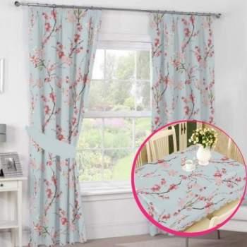 Pachet avantajos: Set 2 draperii + Față de masă, model flori cireș
